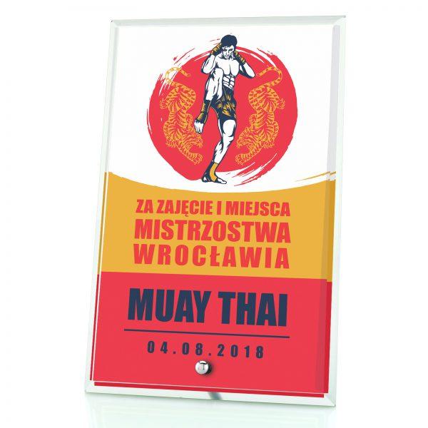 Statuetka szklana z indywidualnym nadrukiem na zawody w Muay Thai