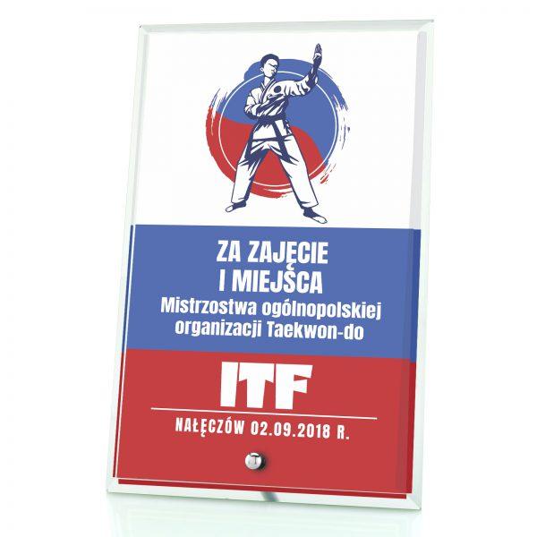 Statuetka szklana z nadrukiem na ogólnopolskie mistrzostwa w taekwondo