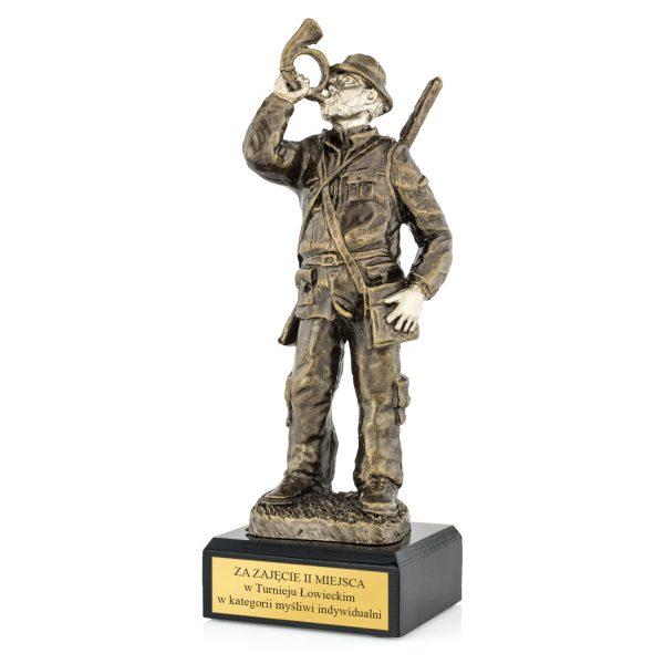 Statuetka na postumencie z grawerem na zawody łowieckie