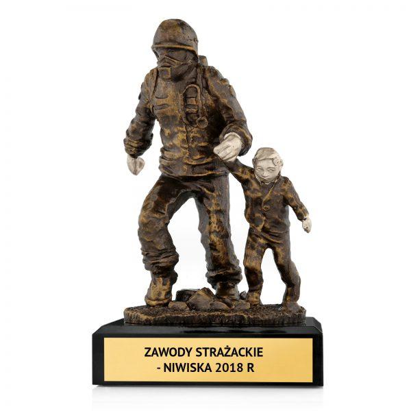 Okolicznościowa statuetka z grawerem na zawody strażackie