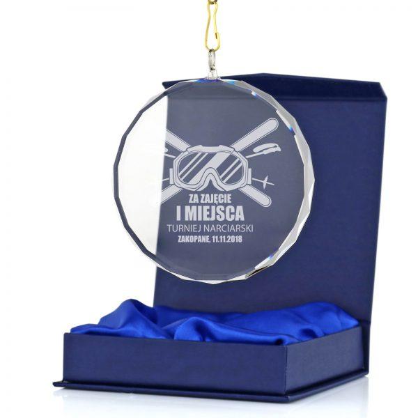 Szklany medal z grawerem na turniej narciarski dla młodzieży