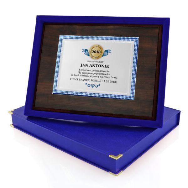 Drewniany certyfikat w etui dla najlepszego pracownika