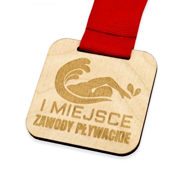 Medal ze sklejki z grawerem na zawody pływackie na zamówienie