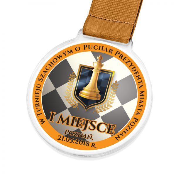 Medal wykonany z pleksi z nadrukiem na turniej szachowy