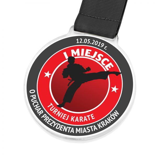 Medal z pleksi z kolorowym nadrukiem na turniej Karate