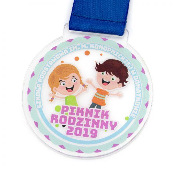 Medal z pleksi z kolorowym nadrukiem dla dziecka na piknik rodzinny szkół podstawowych