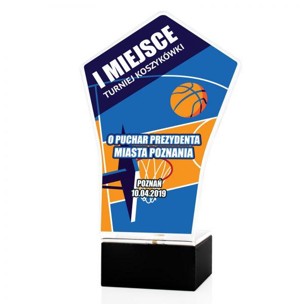 Statuetka na postumencie z nadrukiem na turniej Koszykówki