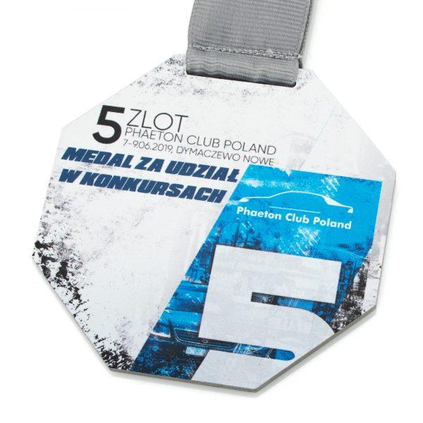 Metalowy medal z kolorowym nadrukiem za udział w konkursach samochodowych