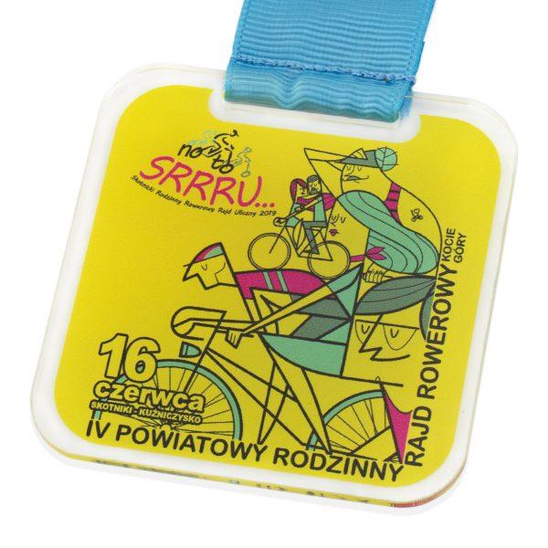 Medal z pleksi na Rodzinny Rowerowy Rajd Uliczny
