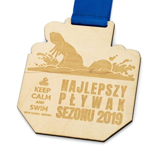 Medal ze sklejki z grawerem dla Najlepszego Pływaka Roku
