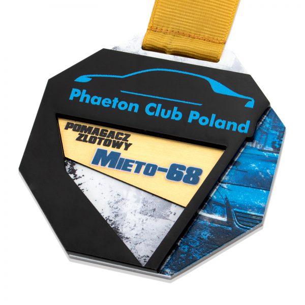 Metalowy medal z wklejką z pleksi i laminatu na zlot samochodów osobowych Phaeton Club Poland