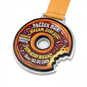 medal wycinany metalowy
