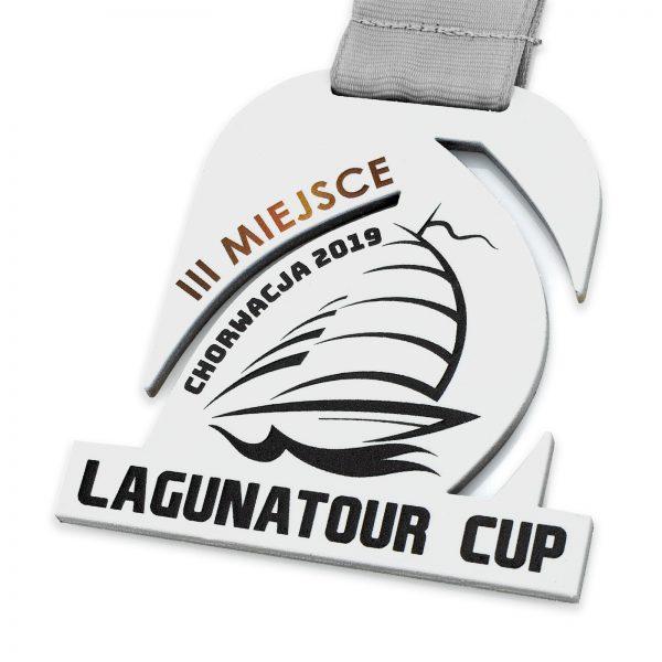 Medal wycinany w metalu z nadrukiem Lagunatour Cup