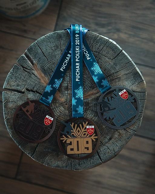 medale snowboardowe dla zawodników pzn